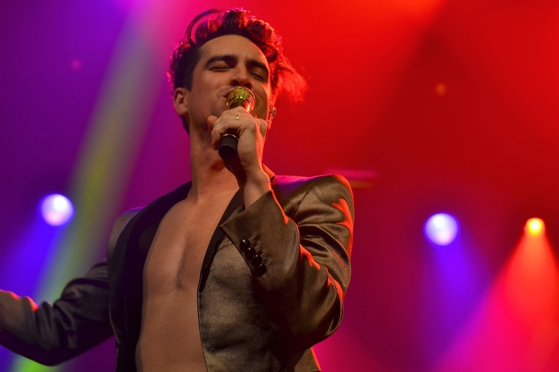watch-footage-of-brendon-urie-performing-in-kinky-boots
