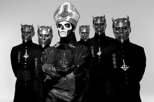 ghost-fan-dressed-up-as-nameless-ghoul-for-senior-photo