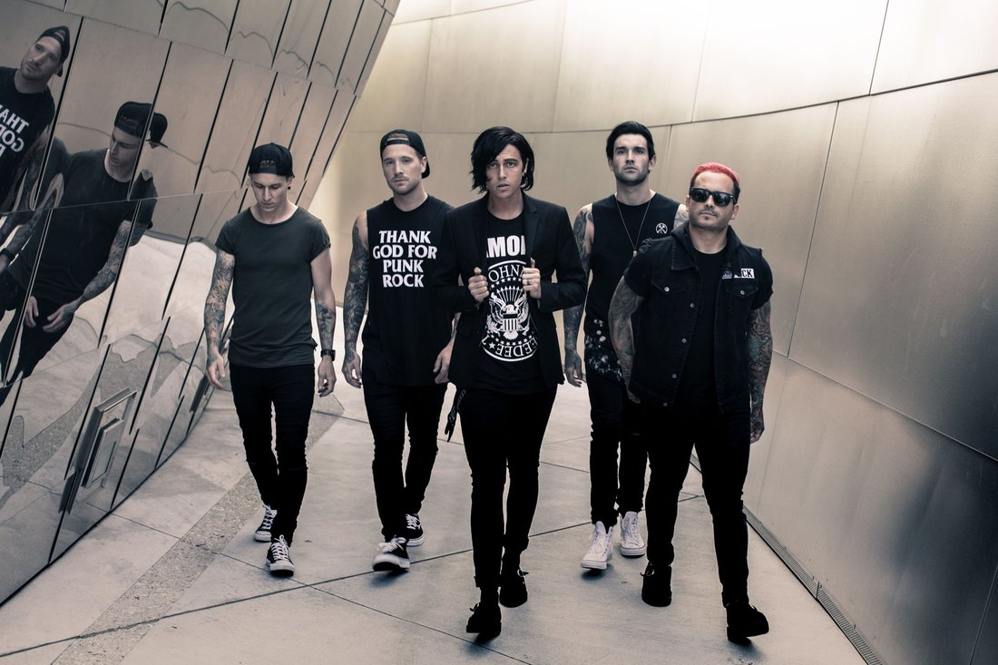 sleeping-with-sirens-release-new-music-video