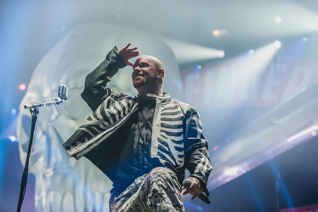 photo-review-five-finger-death-punch-in-flames-and-of-mice-men-amsterdam