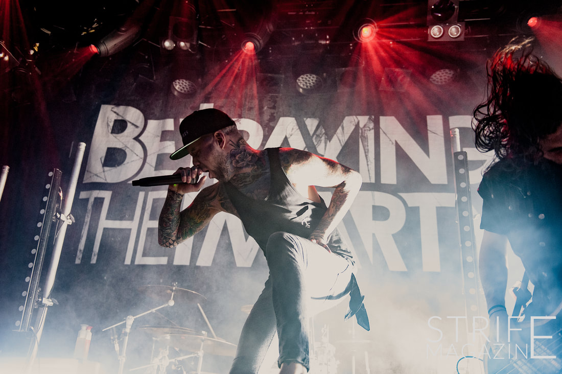photo-review-betraying-the-martyrs-show-metalcore-is-alive-kickin-with-stunning-haarlem-show