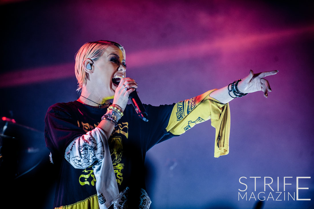 tonight-alive-showcase-new-album-underworld-in-packed-amsterdam-show