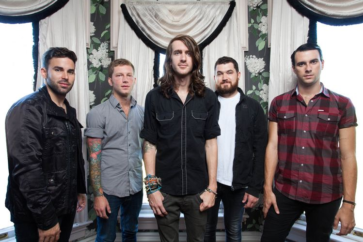 watch-mayday-parade-have-taken-on-a-blink-182-cover-on-vans-warped-tour