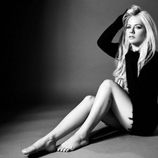 Album Review: Avril Lavigne - Head Above Water