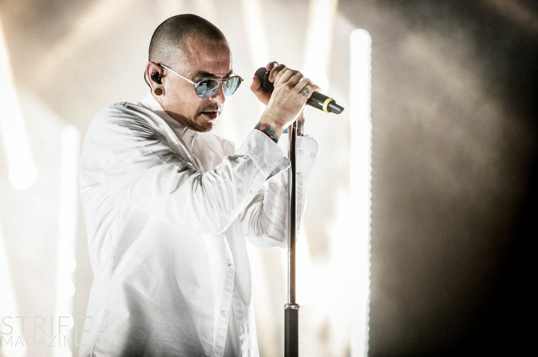 theres-a-photo-exhibition-to-celebrate-the-extraordinary-life-of-chester-bennington-happening-soon