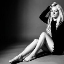 Avril Lavigne Shares Tracklisting & Cover Art New Album