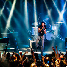 LIVE REVIEW: PVRIS Take 'Hallucinations' EP To Amsterdam For Sold-Out Show