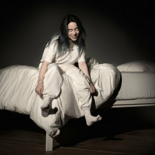 Billie Eilish Undresses To Protest Body Shaming At First Show Of World Tour