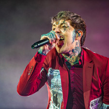 Bring Me The Horizon Perform 'DiE4u' & Cover 24kGoldn's 'Mood' In BBC Live Lounge