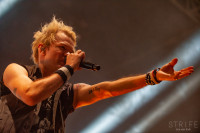 sum-41-at-jera-on-air-20