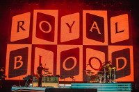 lowlands-royal-blood-10