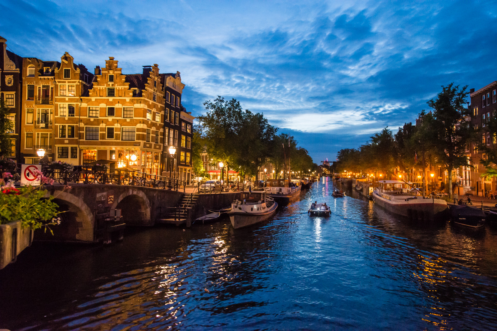 Amsterdam Photo Tour boats on canals