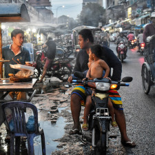 De altijd bruisende stad Phnom Penh