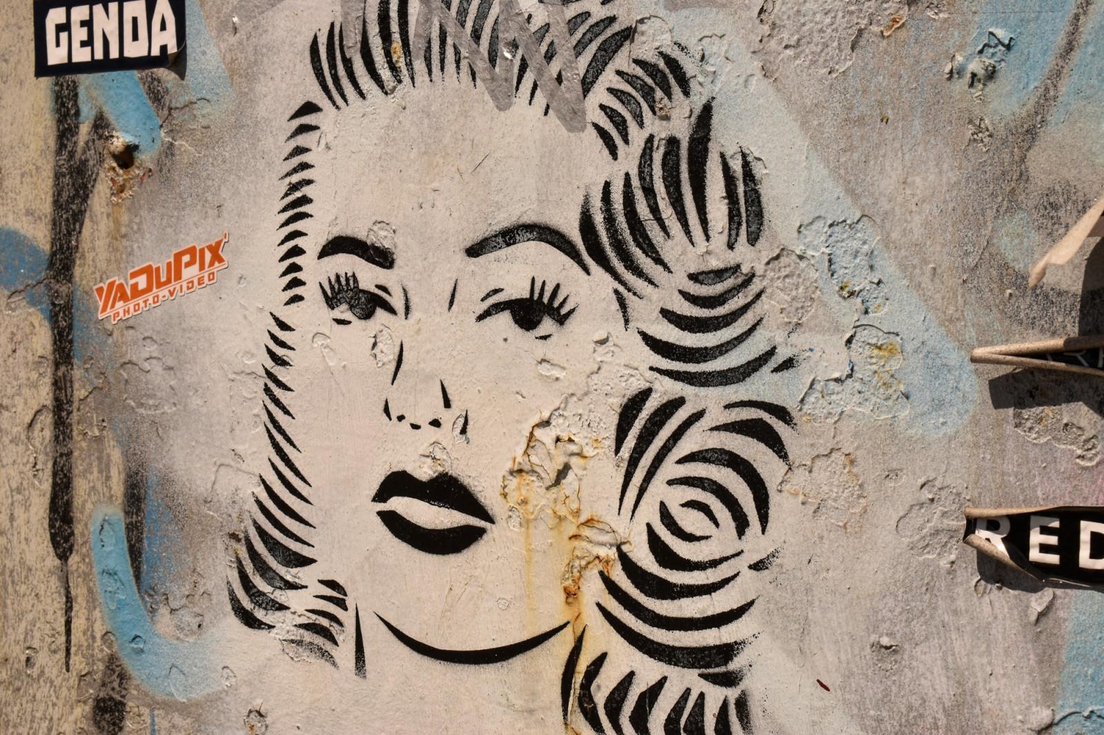 Cool graffiti art in Amsterdam