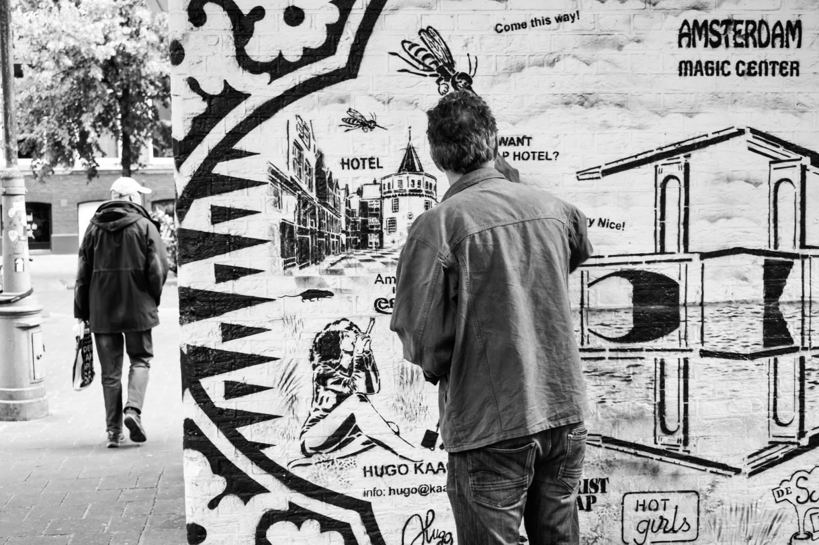 Graffiti urban Hugo Kaagman action magic center