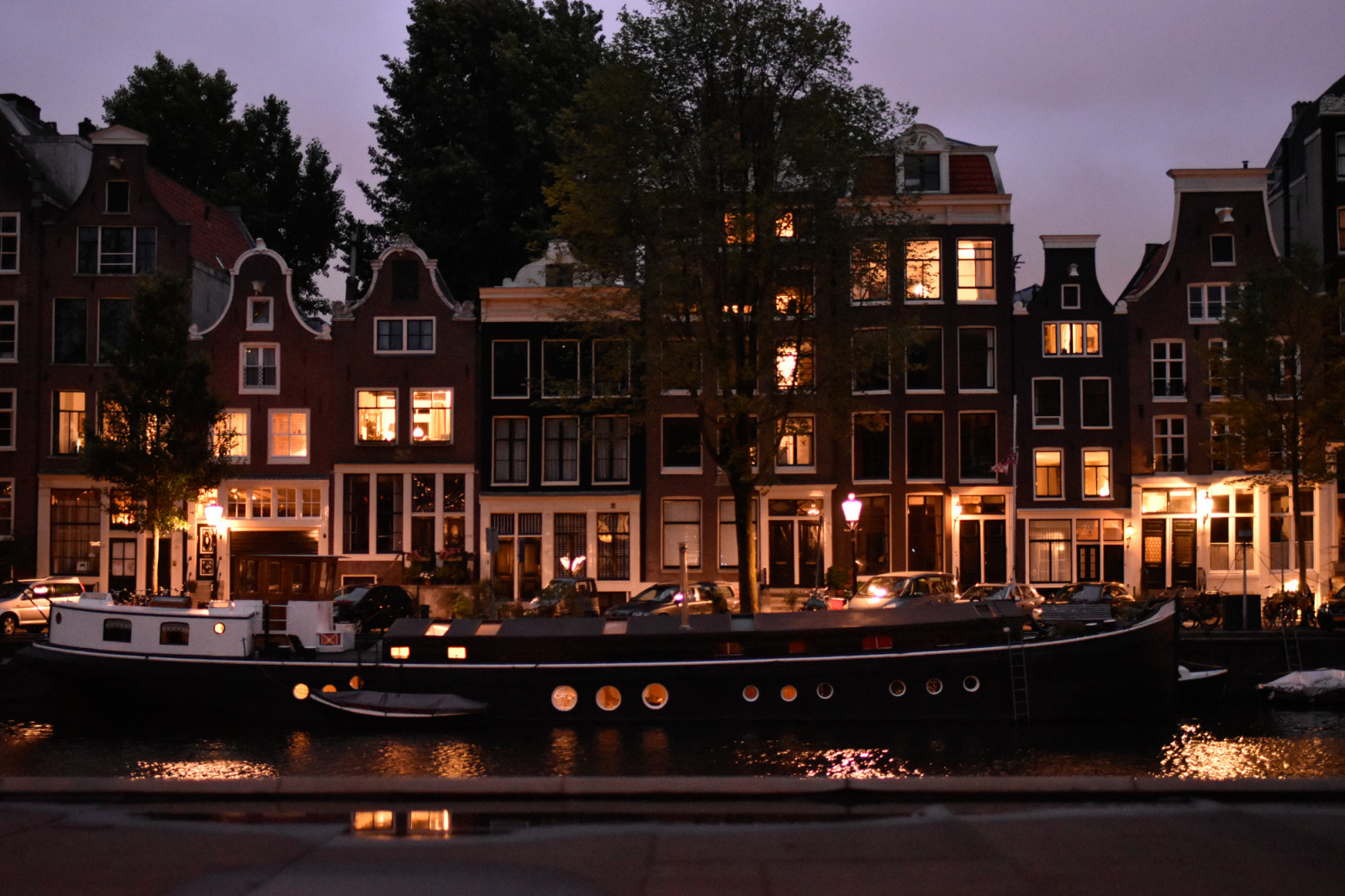 Amsterdam Photo Tours lighted houseboat