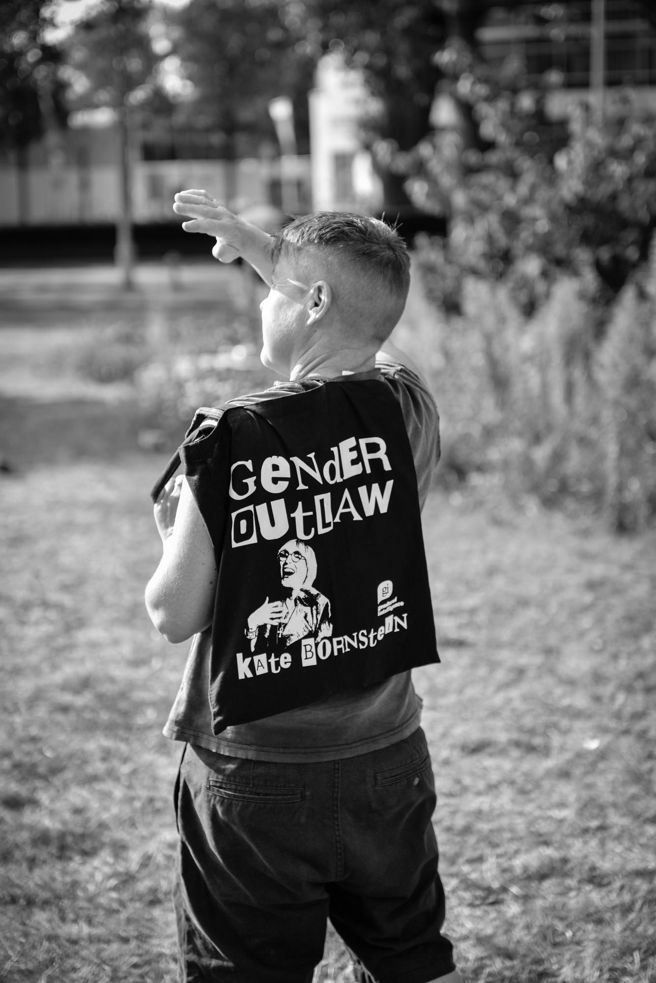 Gender outlaw in Amsterdam, Kate Bornstein jacket