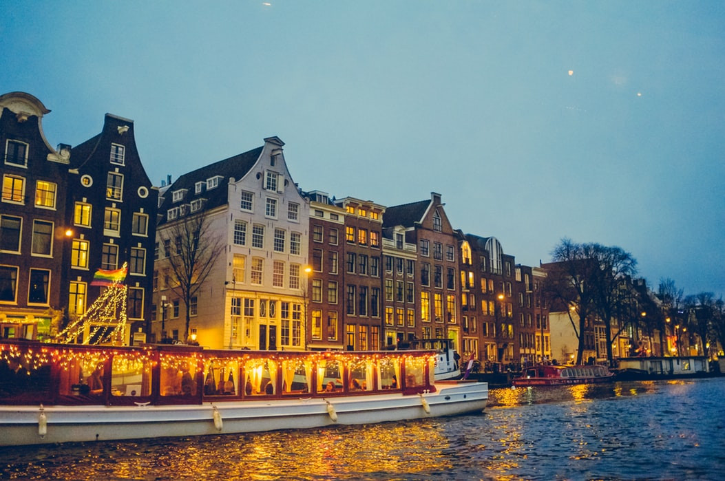 amsterdam-canal-by-boat