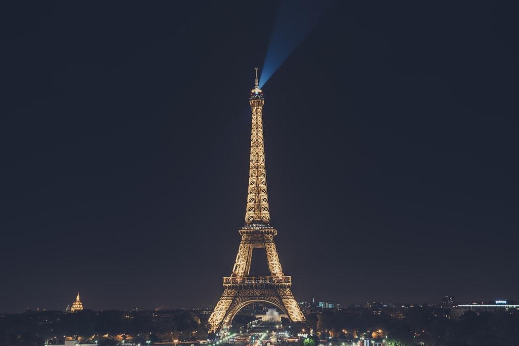 eiffel-tower-lights
